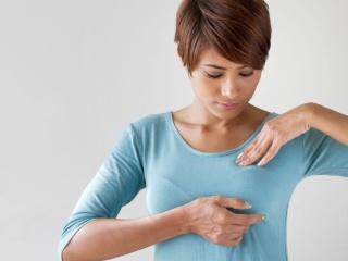 Как да прегледаме гърдите си у дома?