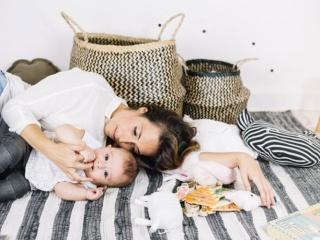 Как да оцелеете след безсънна нощ с бебето