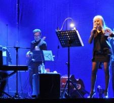 Лили Иванова с осем нови концерта