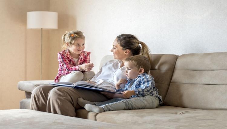 Защо са важни думите, които достигат до децата?